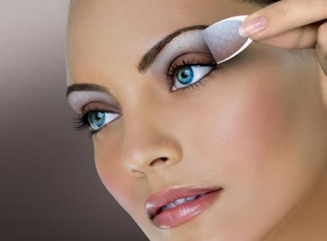 Eye Make-up Forum Talk